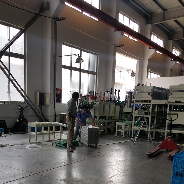 東京化工機株式会社弘塑电子设备厂隔离变压器安装现场